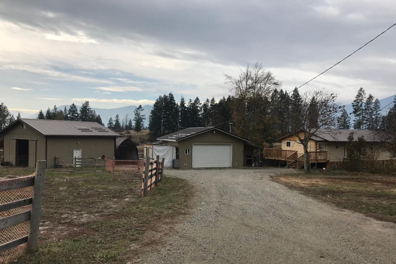 House for sale at 2520 Highway 3a  Creston British Columbia - MLS: 2455259