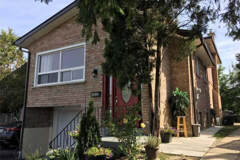 Townhouse for sale at 2529 Trident Ave Mississauga Ontario - MLS: W4806680