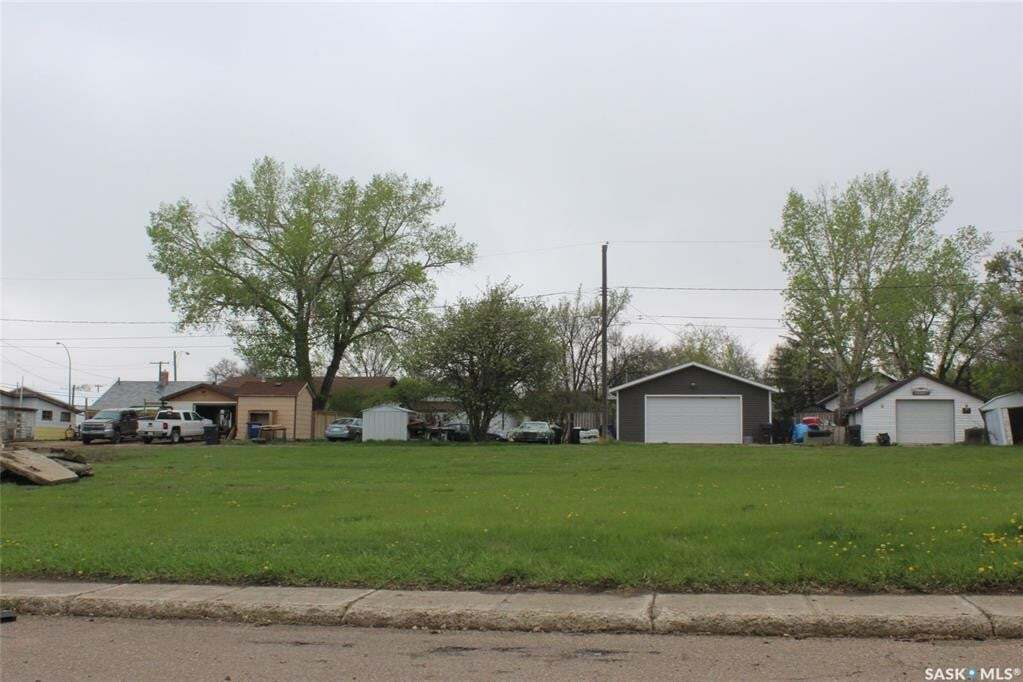 Residential property for sale at 253 2nd Ave E Shaunavon Saskatchewan - MLS: SK809612