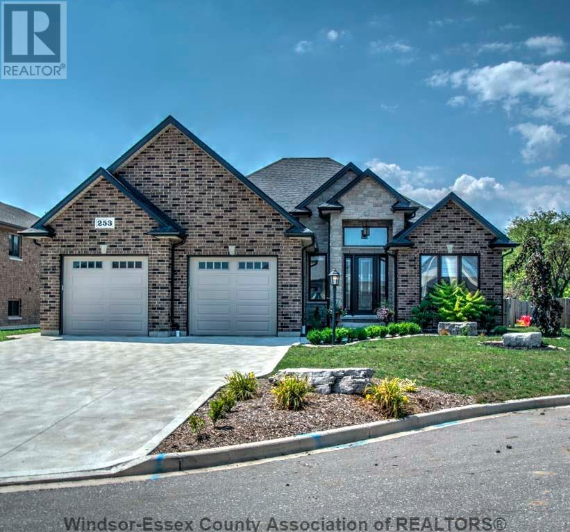 For Sale: 253 Cameron , Belle River, ON | 5 Bed, 3 Bath House for $579,900. See 29 photos!