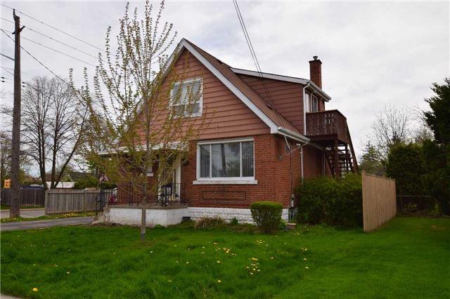 For Sale: 253 East 22nd Street, Hamilton, ON   3 Bed, 3 Bath House for $349,900. See 2 photos!