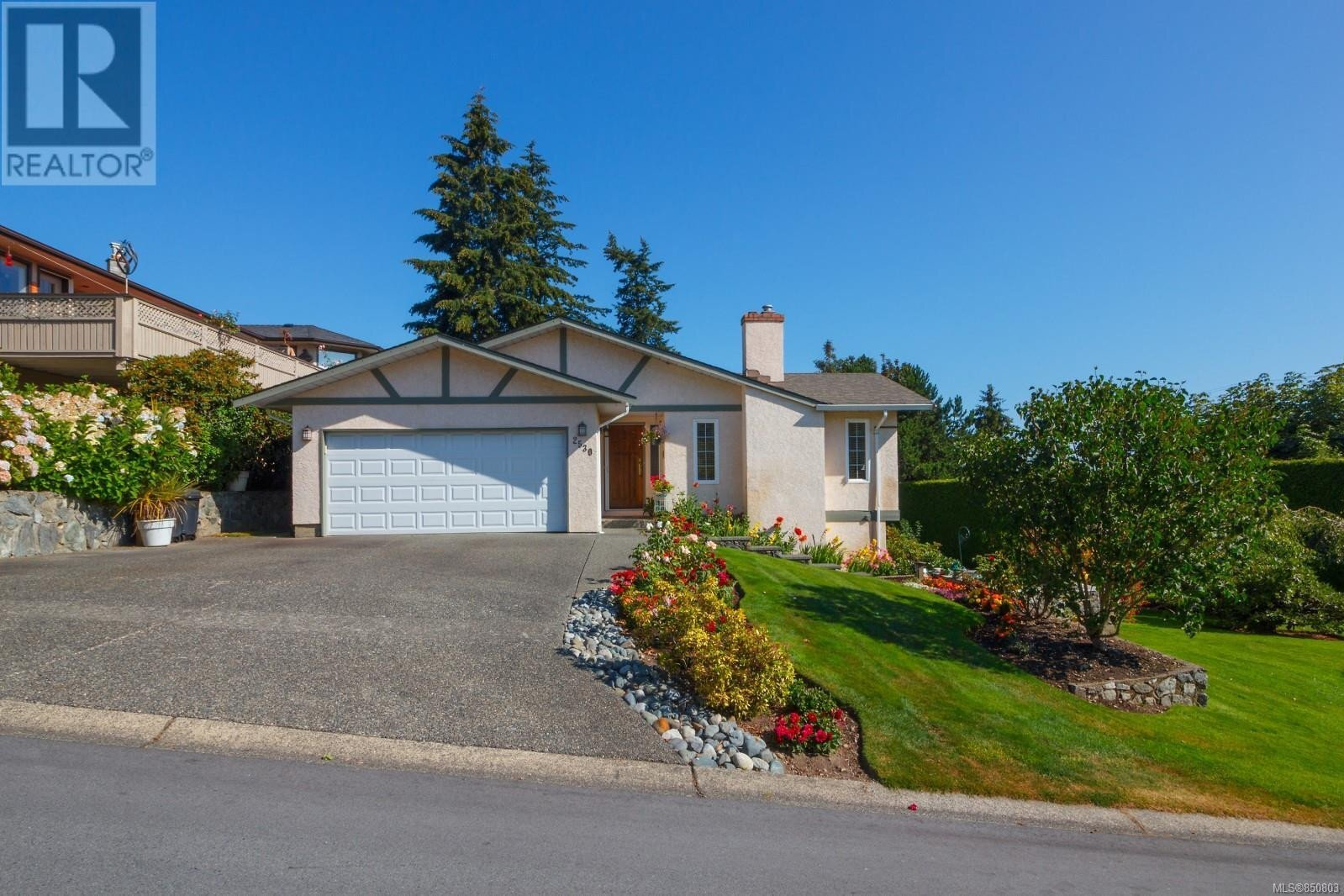 House for sale at 2530 Monte Vista Wy Central Saanich British Columbia - MLS: 850803