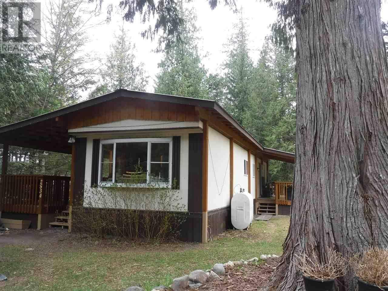 Home for sale at 2534 Douglas Dr N Bella Coola British Columbia - MLS: R2452013