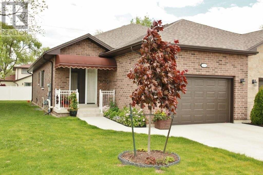 Townhouse for sale at 2534 Olive  Windsor Ontario - MLS: 20006119