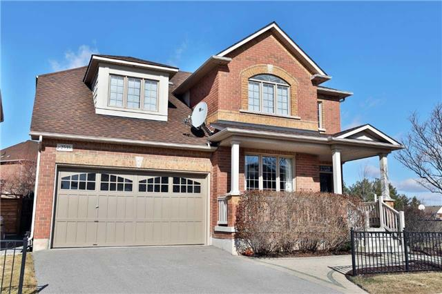 For Sale: 2535 Westoak Trails Boulevard, Oakville, ON | 4 Bed, 3 Bath House for $1,249,900. See 20 photos!