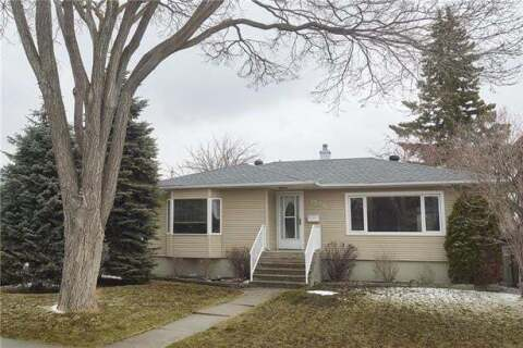 House for sale at 2536 19a St Southwest Calgary Alberta - MLS: C4293136