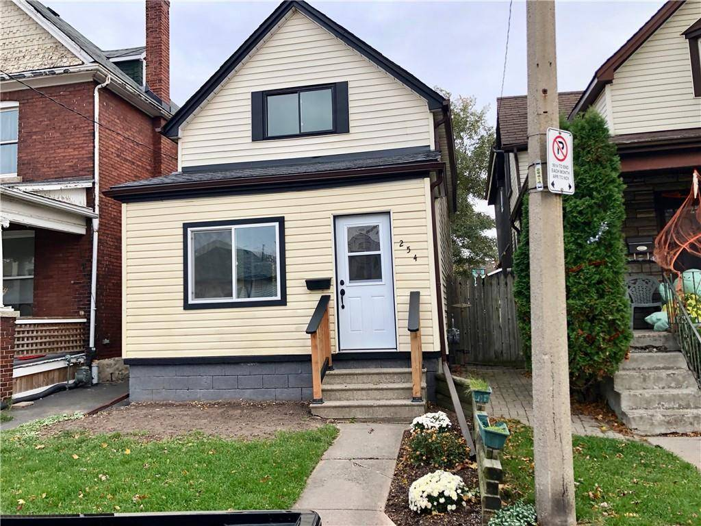 House for sale at 254 Kensington Ave N Hamilton Ontario - MLS: H4067443