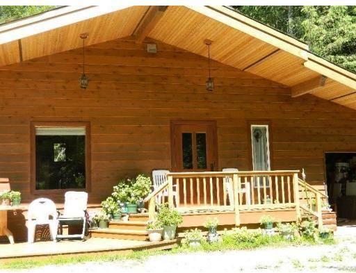House for sale at 2540 Saloompt Rd N Bella Coola British Columbia - MLS: R2376734