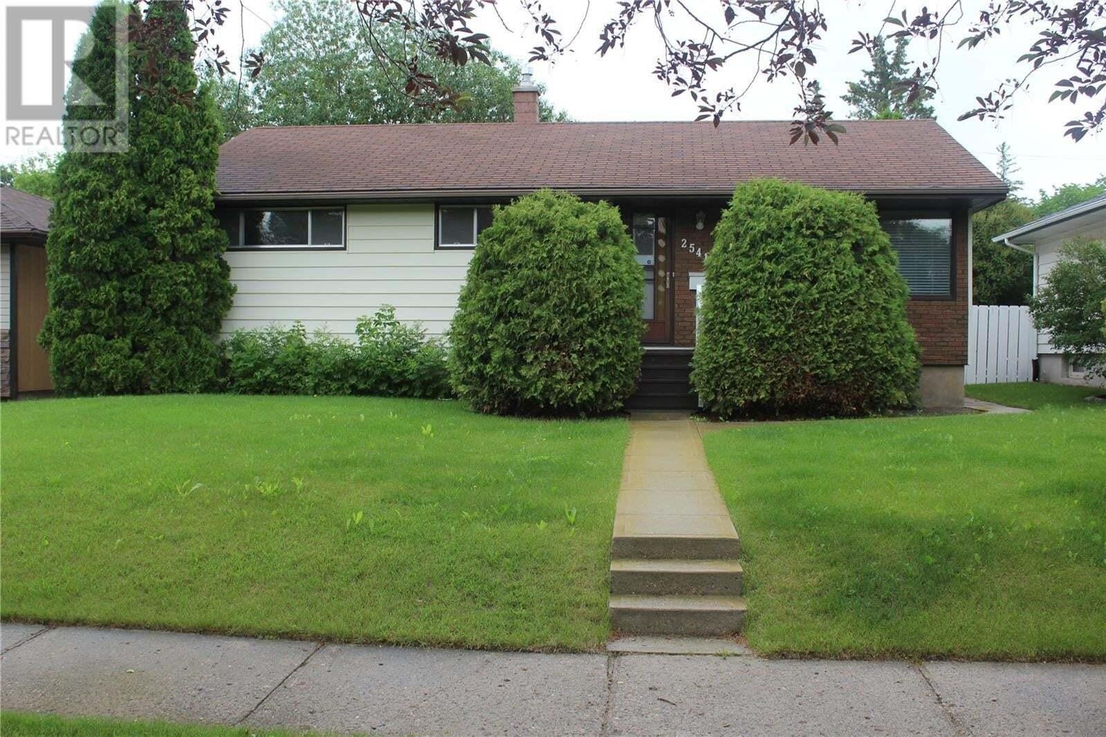 House for sale at 2541 Pasqua St Regina Saskatchewan - MLS: SK814947