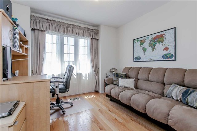 For Sale: 2549 Postmaster Drive, Oakville, ON | 3 Bed, 4 Bath Townhouse for $720,000. See 20 photos!