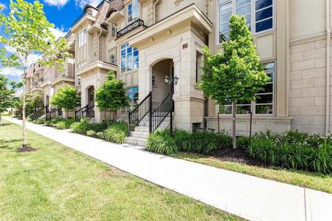 Townhouse for sale at 255 Hanover St Oakville Ontario - MLS: W4864212