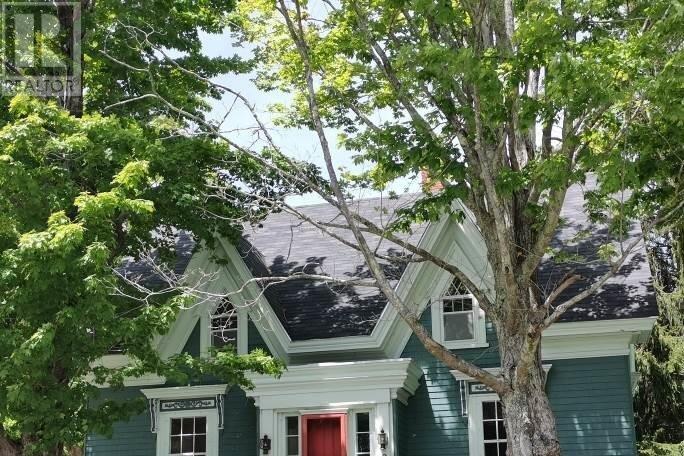 House for sale at 255 Main St Mahone Bay Nova Scotia - MLS: 202006225