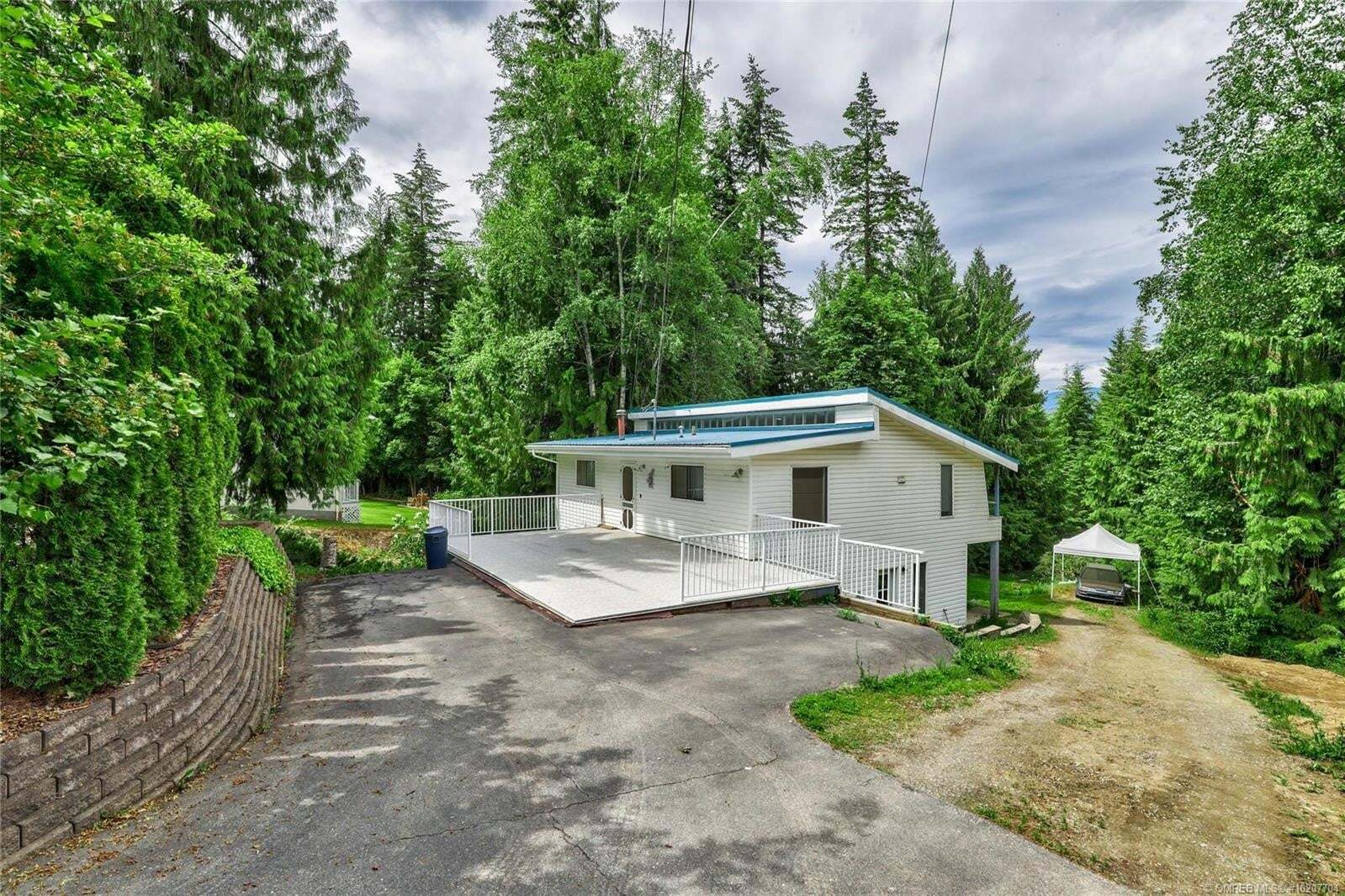 House for sale at 2557 Centennial Dr Blind Bay British Columbia - MLS: 10207704