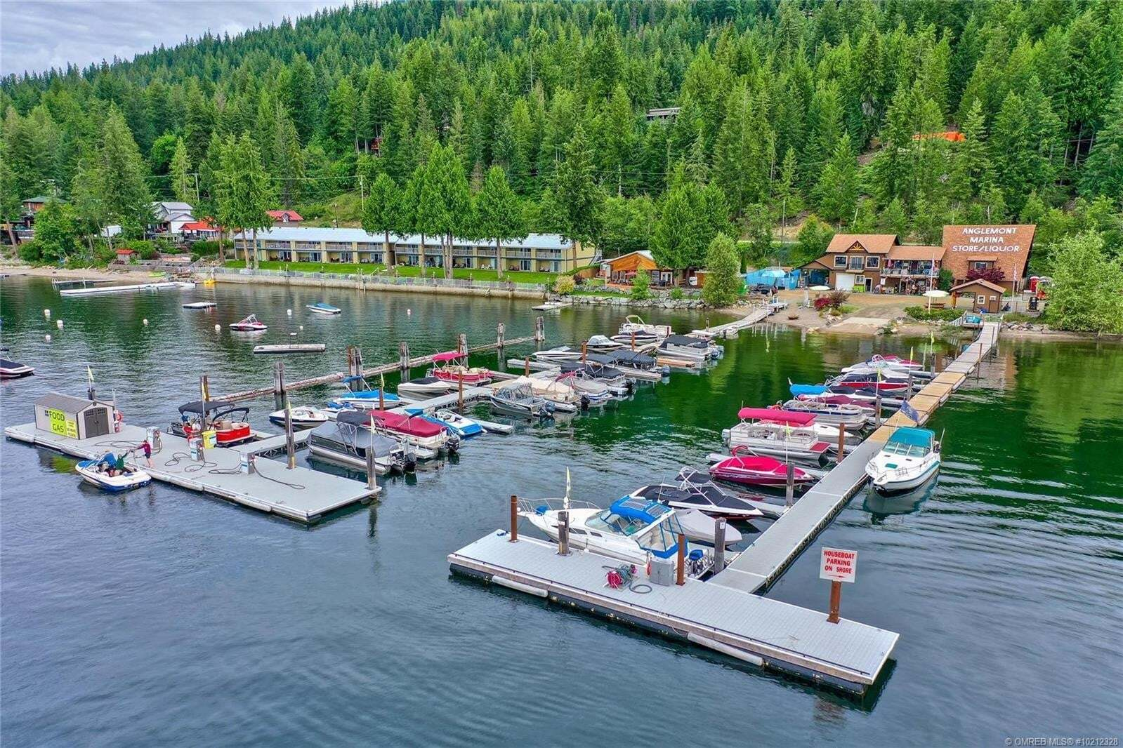 Residential property for sale at 2559 Marina Rd Anglemont British Columbia - MLS: 10212328