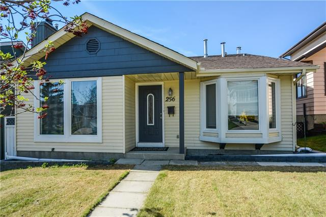 For Sale: 256 Edgeland Road Northwest, Calgary, AB   4 Bed, 3 Bath House for $549,900. See 32 photos!