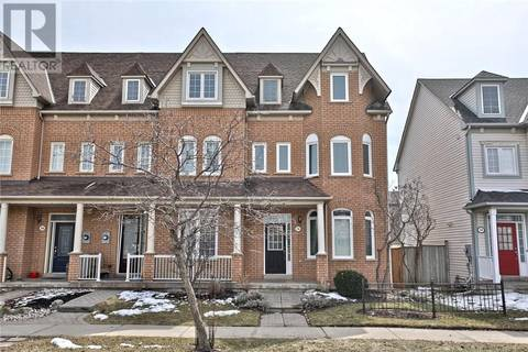 Townhouse for sale at 256 Glenashton Dr Oakville Ontario - MLS: 30721255