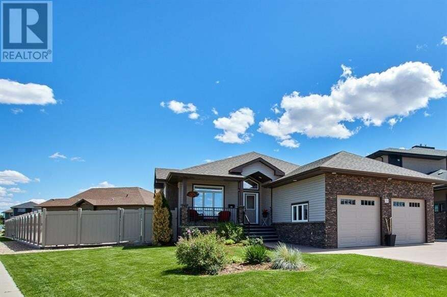 House for sale at 256 Hamptons Wy Southeast Medicine Hat Alberta - MLS: A1004297