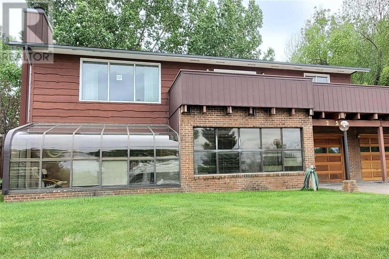 House for sale at 256 Hayes Dr Swift Current Saskatchewan - MLS: SK811452