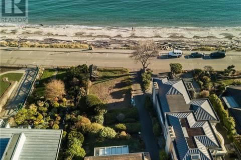 House for sale at  2560 Esplanade Victoria British Columbia - MLS: 411986