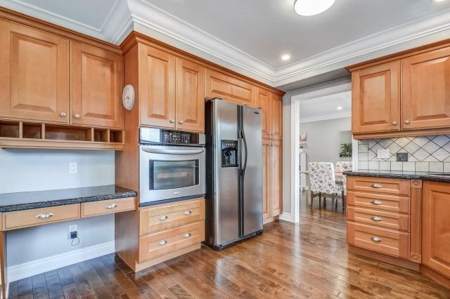 For Sale: 2563 Chisholm Avenue, Mississauga, ON | 4 Bed, 4 Bath House for $1,369,000. See 20 photos!