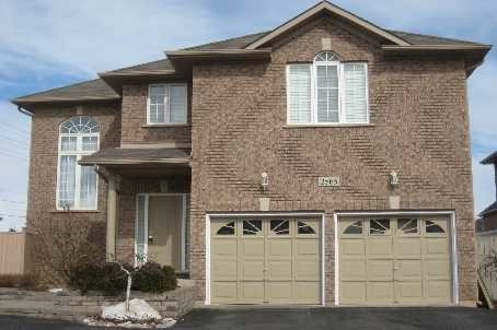 For Rent: 2565 Harman Gate, Oakville, ON | 3 Bed, 3 Bath House for $2,600. See 14 photos!