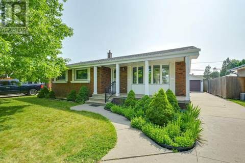 House for sale at 2569 St. Patricks Dr Windsor Ontario - MLS: 19021512