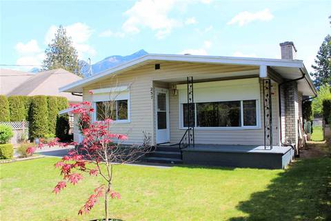 House for sale at 257 Water Ave Hope British Columbia - MLS: R2357148