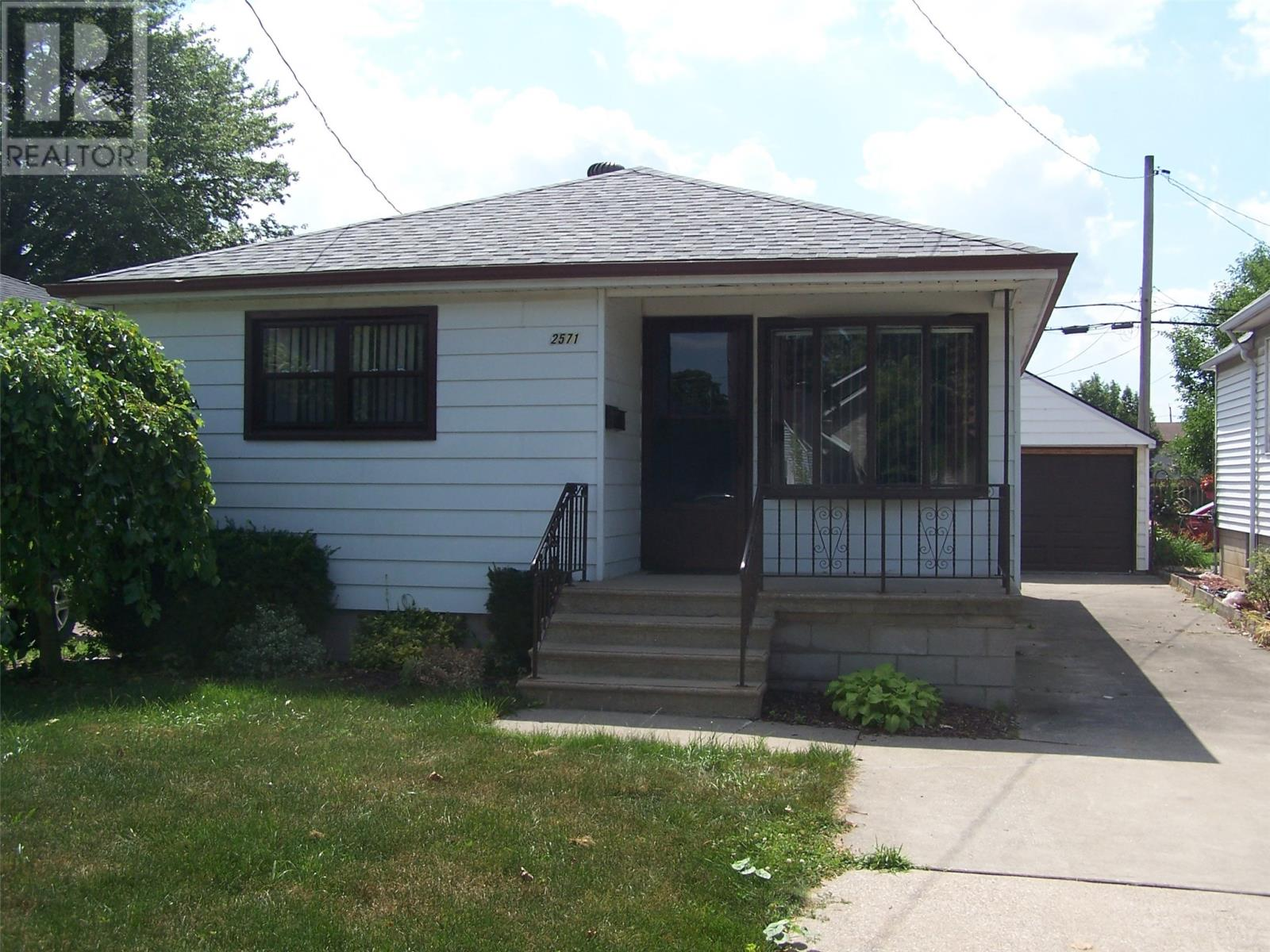 Removed: 2571 George Avenue, Windsor, ON - Removed on 2019-09-10 05:36:26