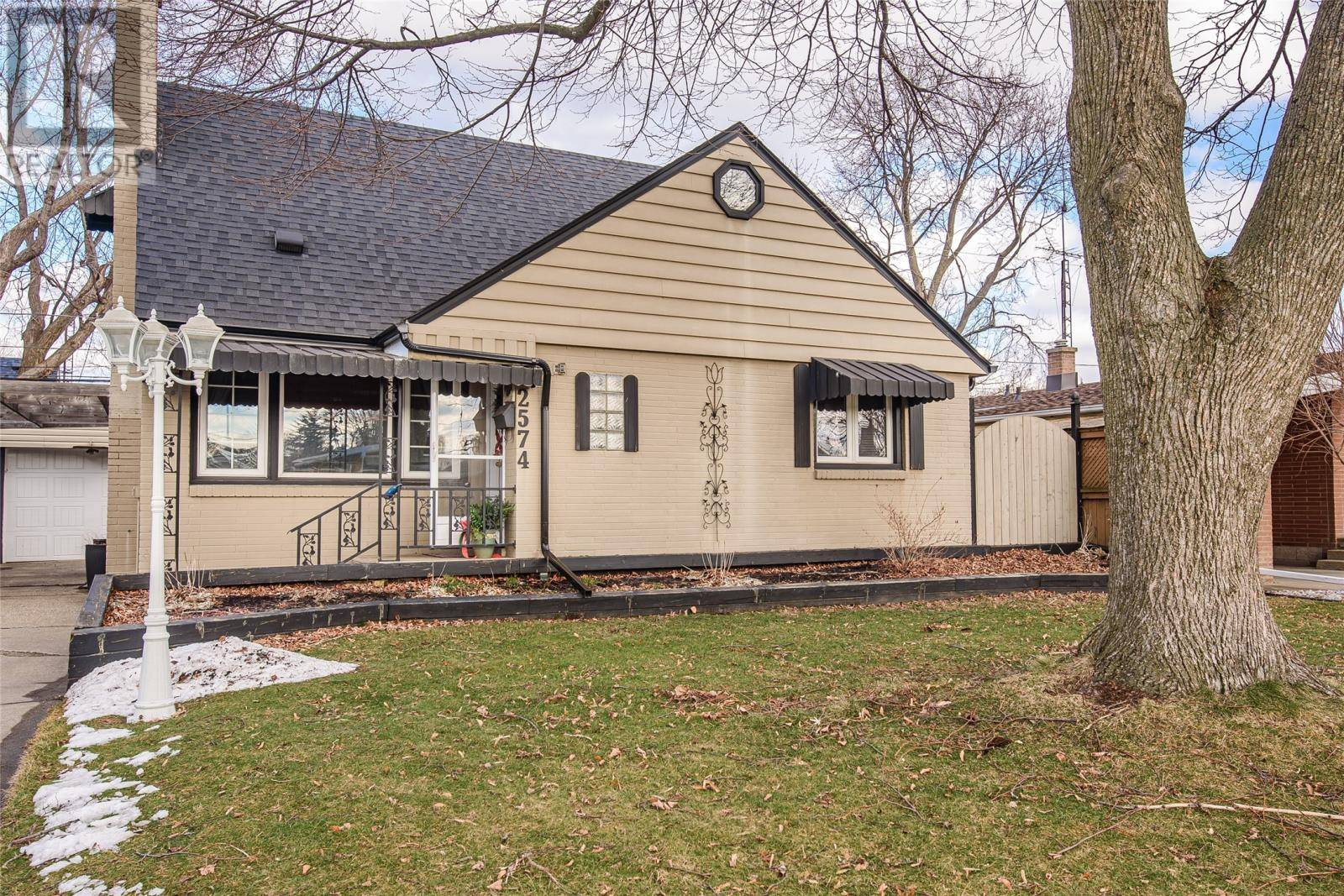 House for sale at 2574 Ida Rd Windsor Ontario - MLS: 20002007