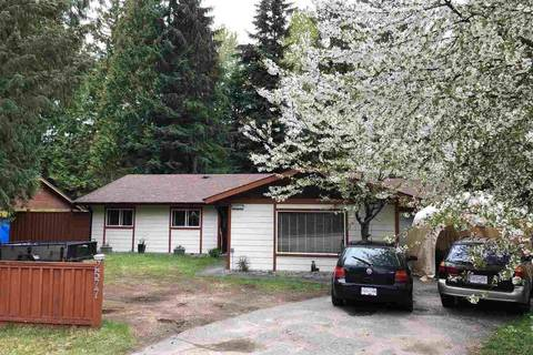 House for sale at 2577 The Blvd Squamish British Columbia - MLS: R2452330