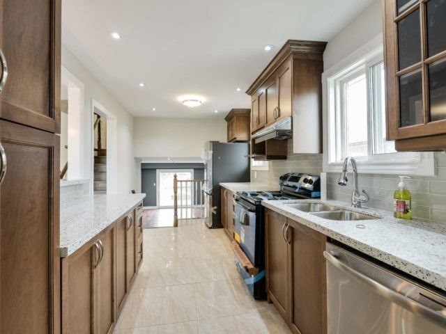 For Sale: 2577 Trident Avenue, Mississauga, ON | 4 Bed, 4 Bath Townhouse for $869,900. See 19 photos!