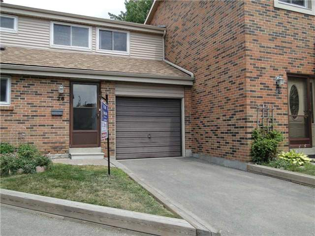 Buliding: 2755 Windwood Drive, Mississauga, ON