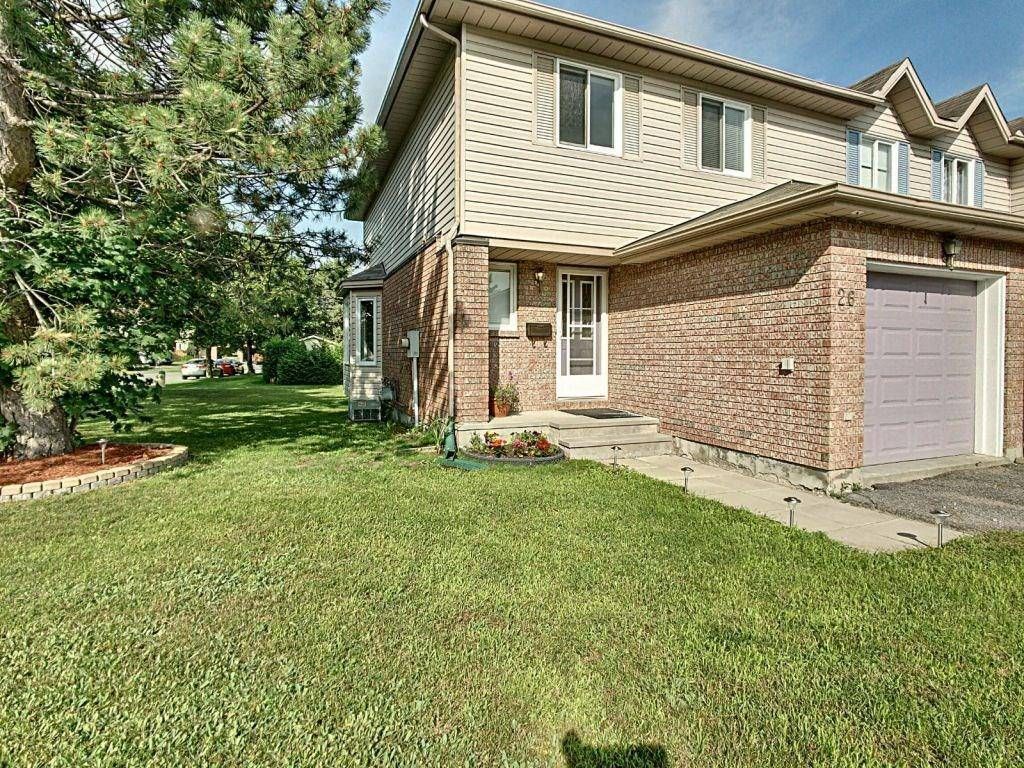 Townhouse for sale at 26 Birchbank Cres Kanata Ontario - MLS: 1161867