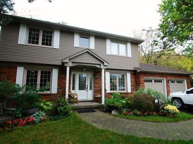For Sale: 26 Carl Crescent, Hamilton, ON | 4 Bed, 3 Bath House for $982,000. See 20 photos!