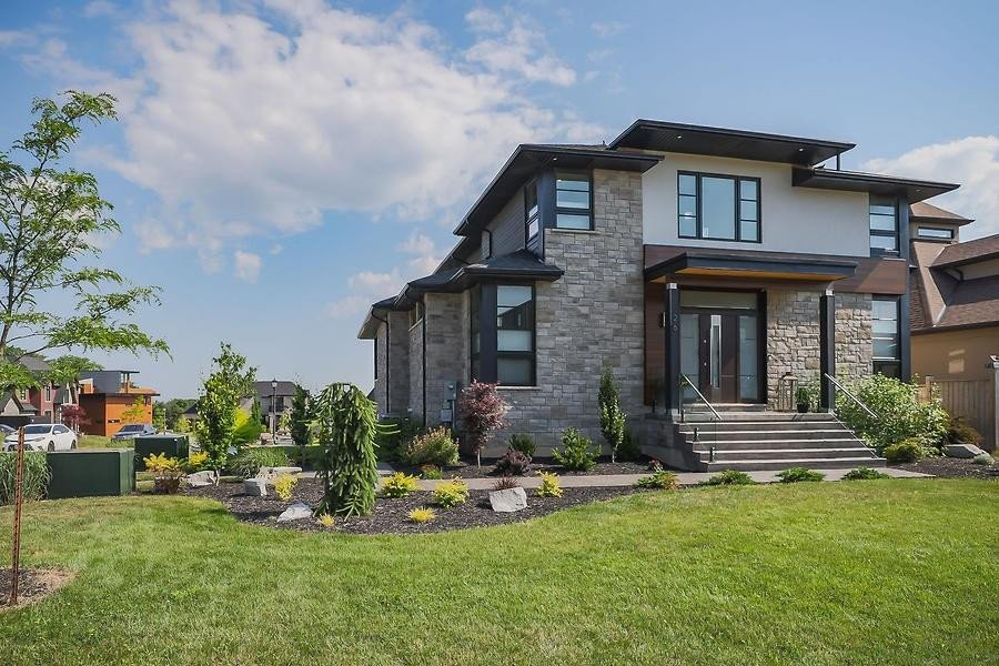 House for sale at 26 Kenmir Ave Niagara-on-the-lake Ontario - MLS: H4081754