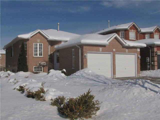 For Sale: 26 Nicole Marie Avenue, Barrie, ON | 2 Bed, 2 Bath House for $464,000. See 20 photos!
