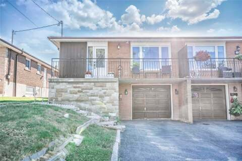 Townhouse for sale at 26 Seacliff Blvd Toronto Ontario - MLS: W4855566