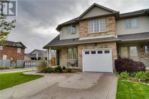 Townhouse for sale at 26 Southbrook Dr Hamilton Ontario - MLS: 30734306