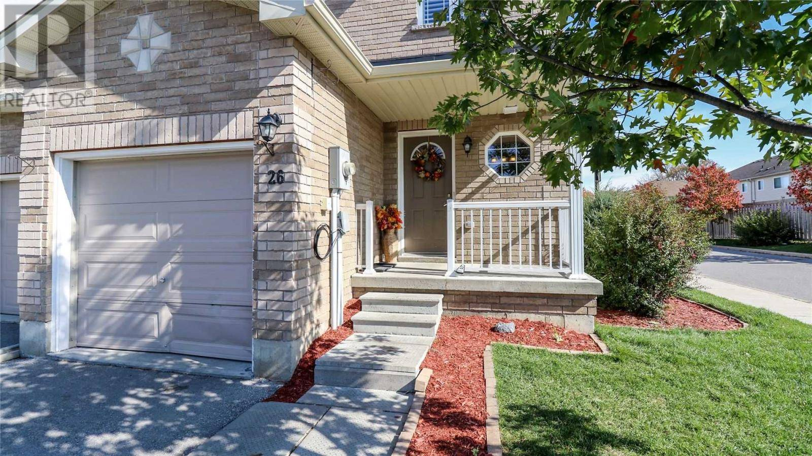 Townhouse for sale at 26 Southwoods Cres Barrie Ontario - MLS: S4608398