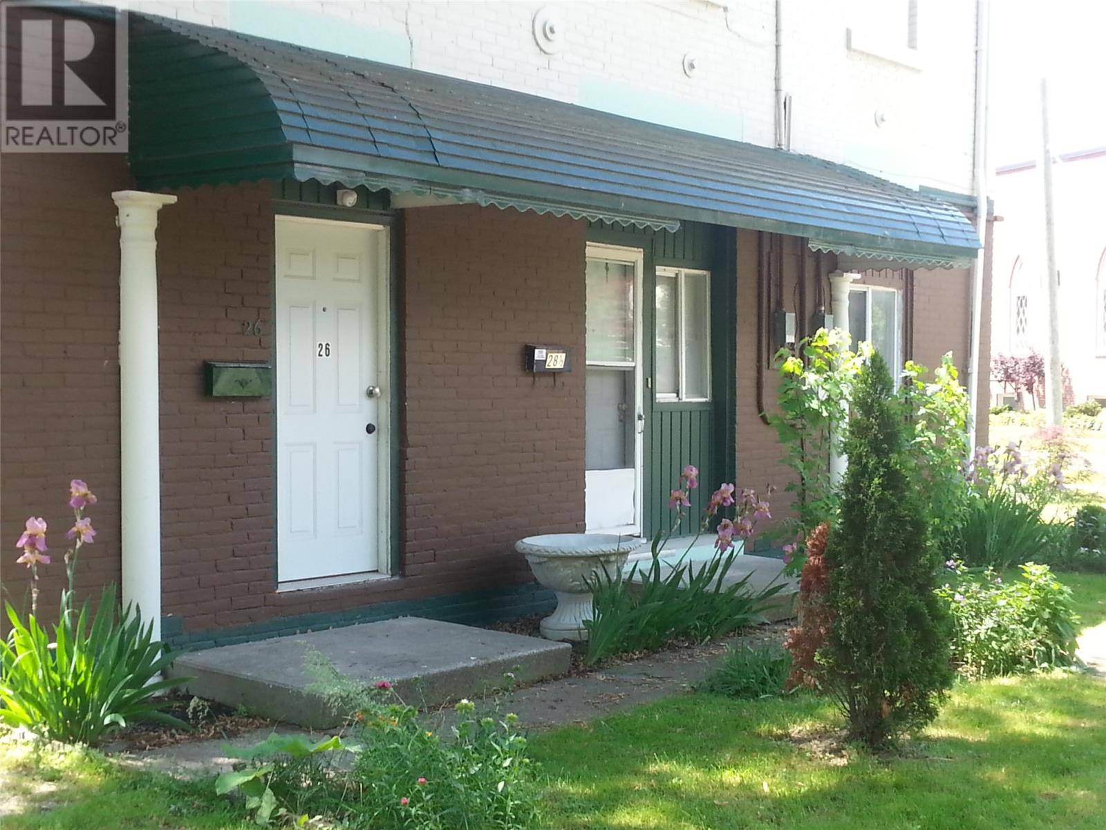 Townhouse for sale at 26 Victoria Ave Chatham Ontario - MLS: 20001002