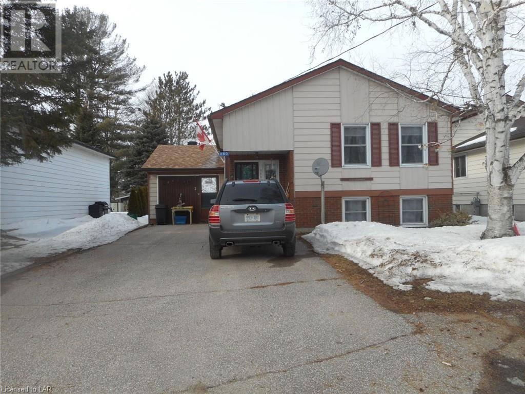 Townhouse for sale at 260 Peter St Gravenhurst Ontario - MLS: 250840
