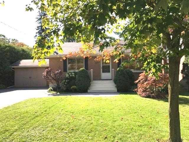 For Sale: 260 Rupert Avenue, Whitchurch Stouffville, ON | 2 Bed, 2 Bath House for $838,000. See 20 photos!