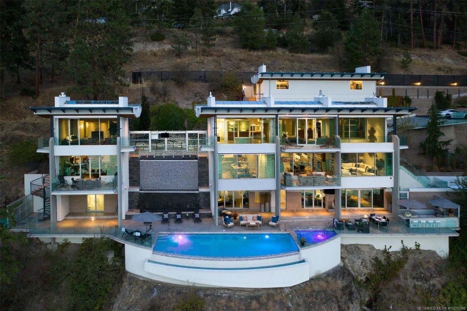 House for sale at 2600 Dubbin Rd Kelowna British Columbia - MLS: 10215380