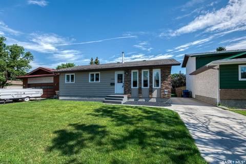 House for sale at 2606 Truesdale Dr E Regina Saskatchewan - MLS: SK798360