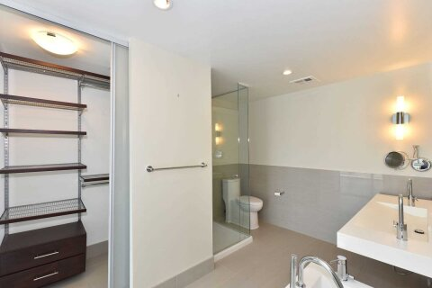 Apartment for rent at 70 Distillery Ln Unit 2607 Toronto Ontario - MLS: C5083843