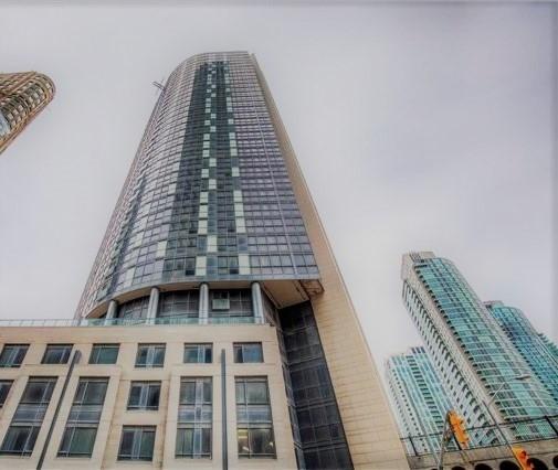 Buliding: 1 The Esplanade Avenue, Toronto, ON