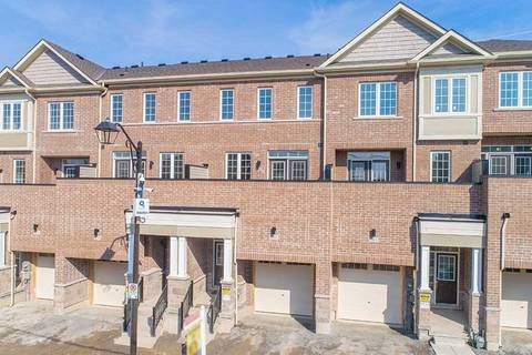 Townhouse for sale at 261 Harding Park St Newmarket Ontario - MLS: N4389219