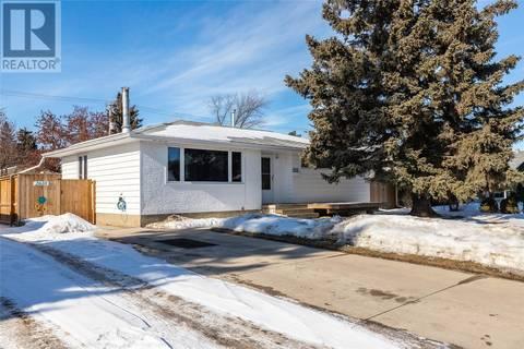 House for sale at 2610 Clarence Ave S Saskatoon Saskatchewan - MLS: SK803723