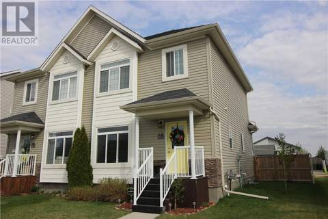 Townhouse for sale at 2611 Valleyview Dr Camrose Alberta - MLS: ca0167690