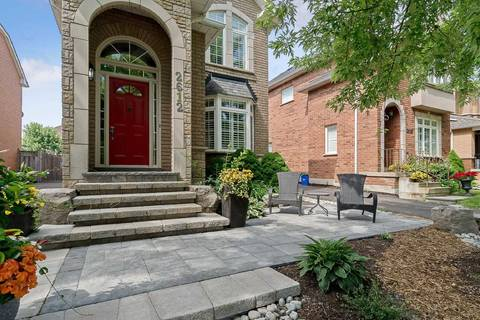House for sale at 2612 Castle Hill Cres Oakville Ontario - MLS: W4515644